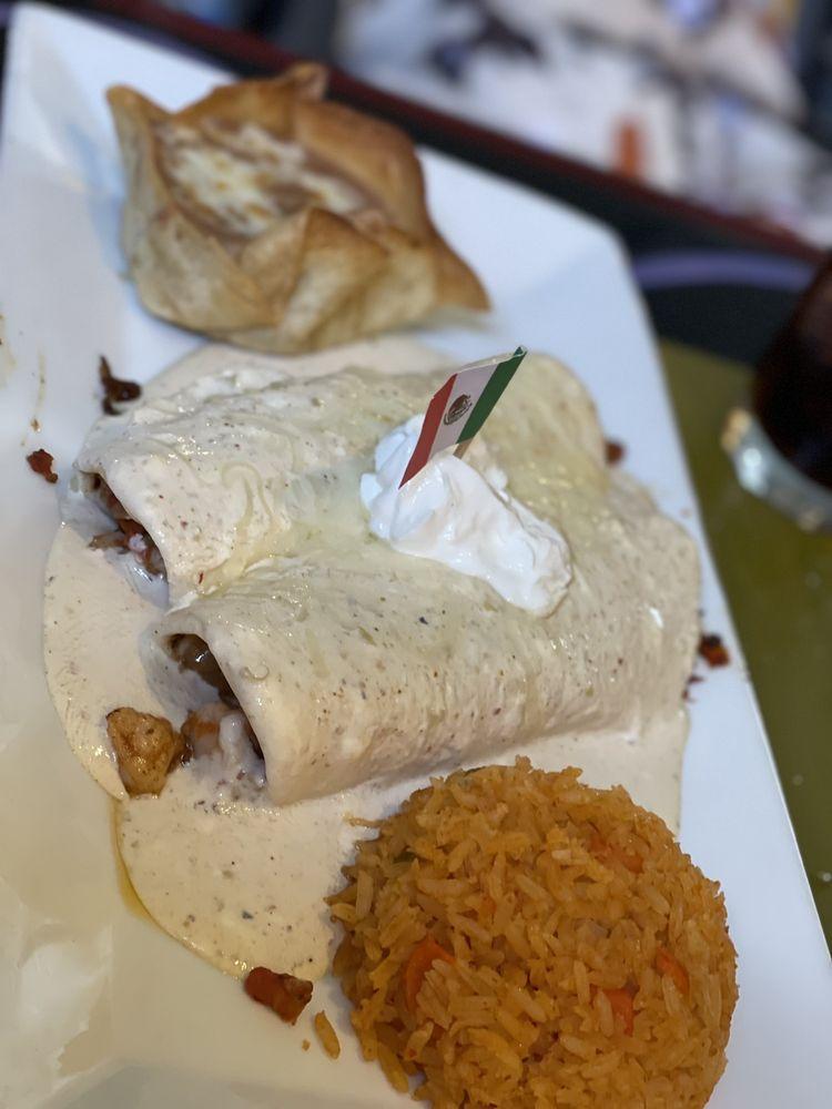 Gustavo's Mexican Restaurant & Bar
