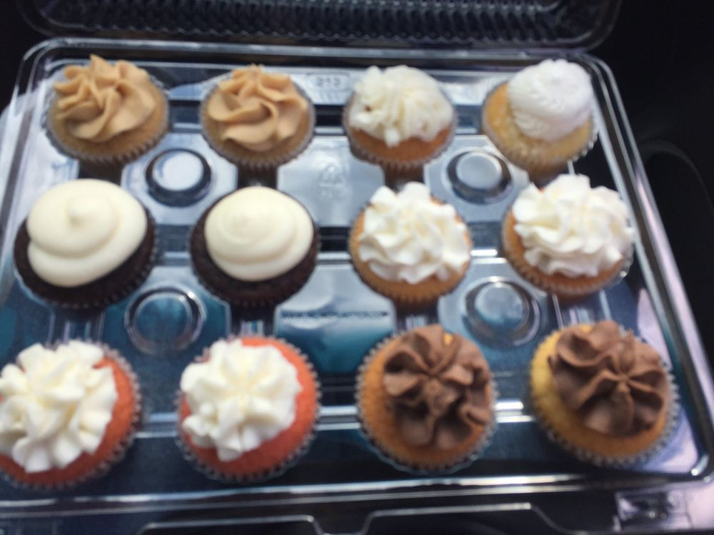 Chick N Scratch Cakes & Cupcakes: 103 S Marble St, Rockmart, GA