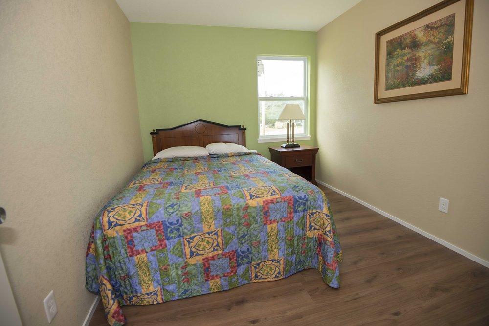 Avon Motel: 40230 Younce Rd, Avon, NC