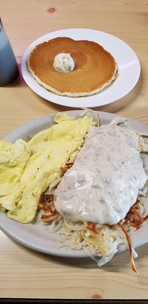 Great Northern Cafe: 218 1st St E, Park Rapids, MN