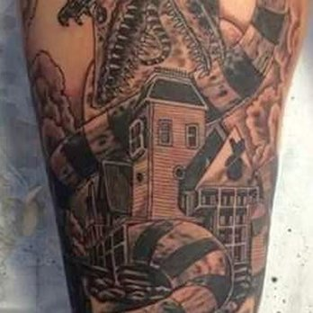Chronic tattoo tattoo 358 cleveland st elyria oh for Tattoo shops in elyria ohio
