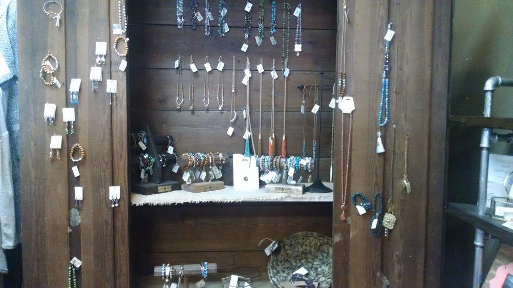 The Market: 455 Belwood Rd SE, Calhoun, GA