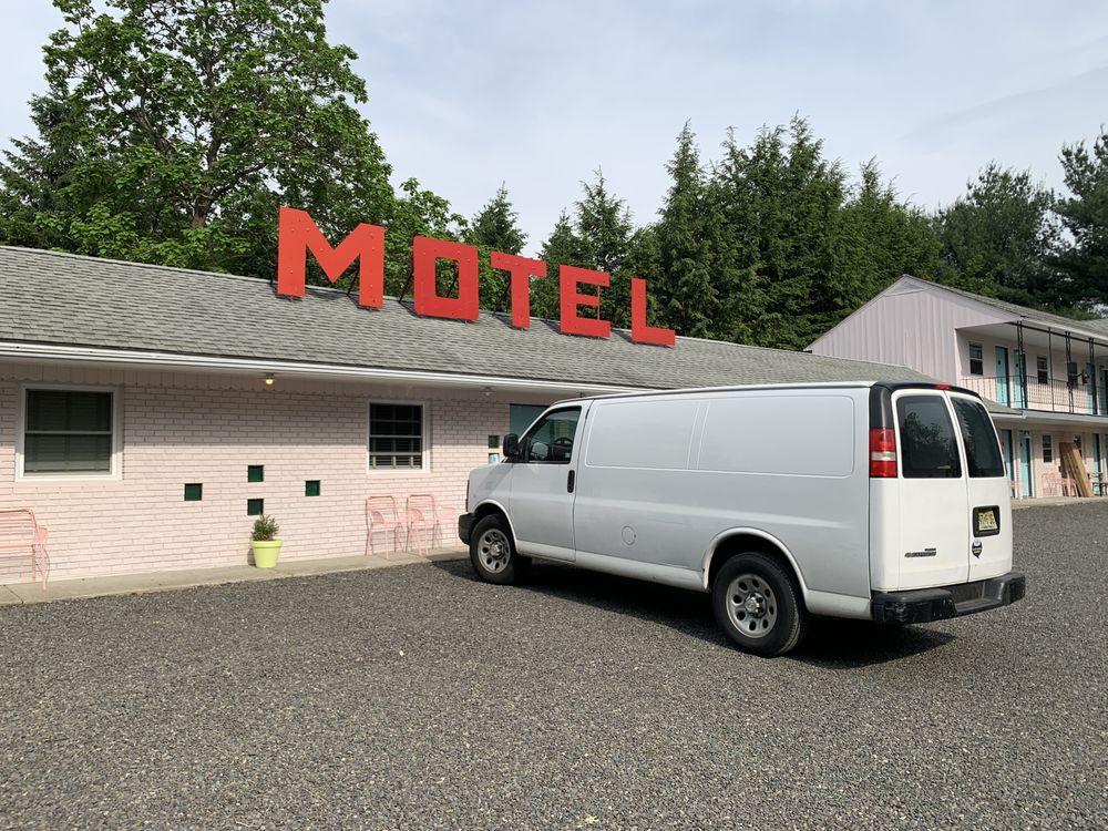 Star-Lite Motel: 5938 Route 209, Kerhonkson, NY