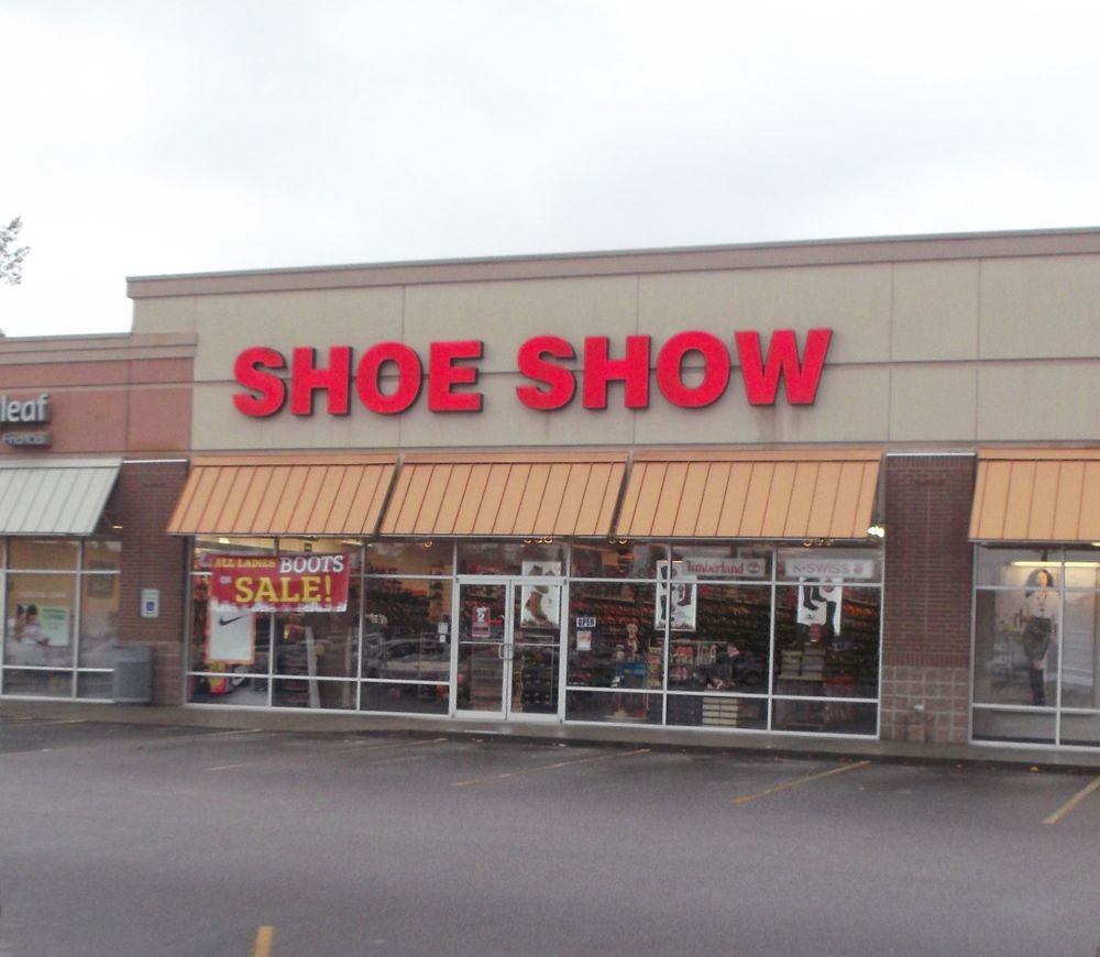 Shoe Show: 1984 Paxville Hwy, Manning, SC