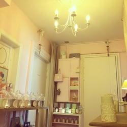 la petite baignoire coiffeurs salons de coiffure 19. Black Bedroom Furniture Sets. Home Design Ideas