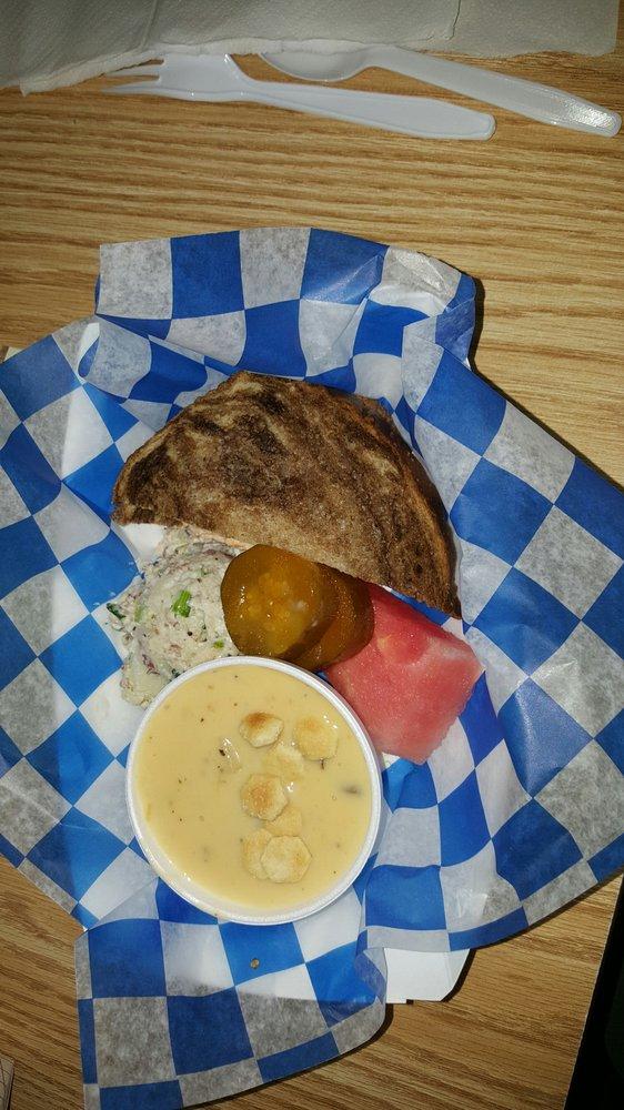 Sweet Pickle Deli: 1908 S Hwy 281, Lampasas, TX