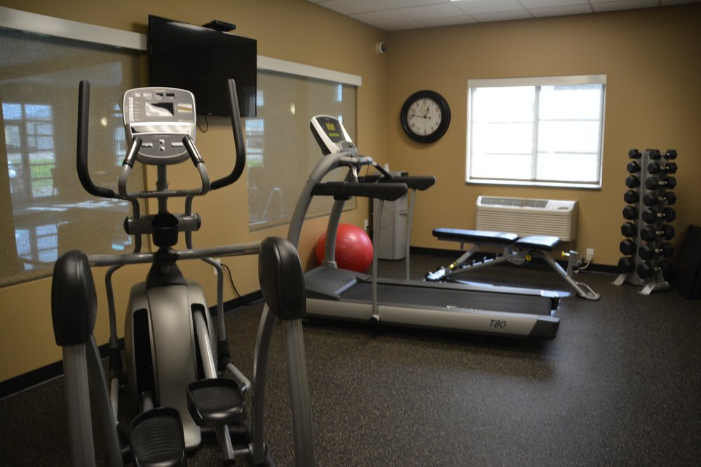 GrandStay Hotel & Suites: 271 Wintershow Rd SW, Valley City, ND