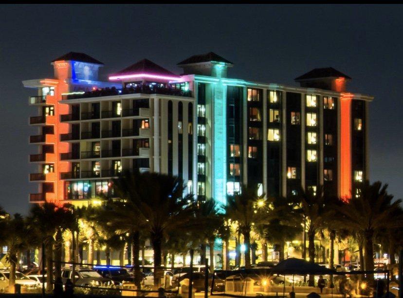 Pier House 60 Hotel: 101 Coronado Dr, Clearwater, FL