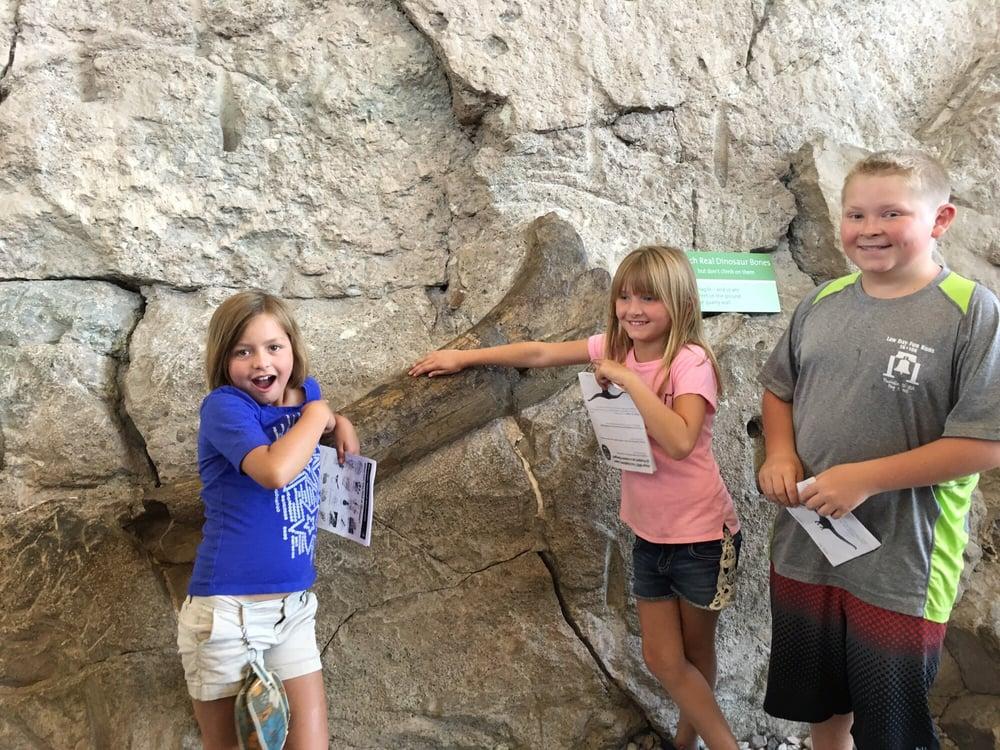 The Dinosaur Quarry Visitor Center: Jensen, UT