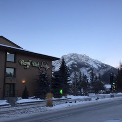 Banff Park Lodge 21 Photos 34 Reviews Hotels 222 Lynx Street