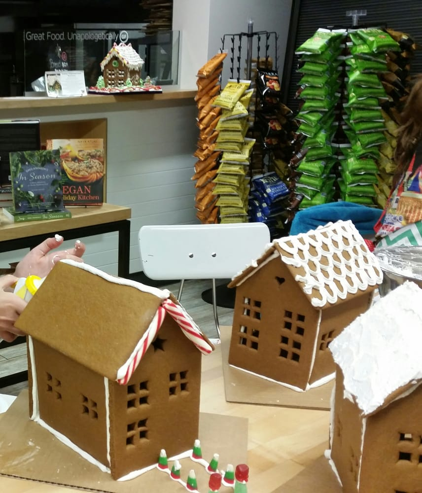 Premade Gingerbread Houses Spicy Smelling Perfectly Pre Made Gingerbread Houses Starting To
