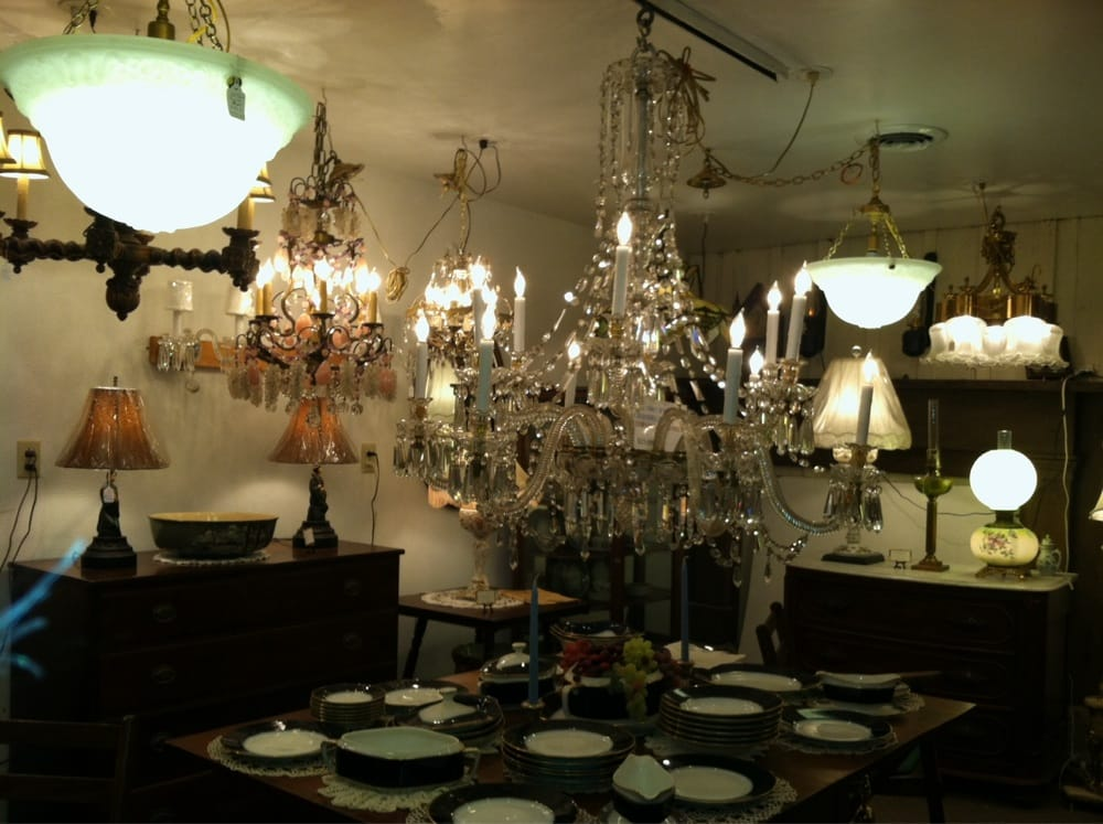 Black Penny Antiques & Lighting: 1133 Bishop Meade Rd, Boyce, VA