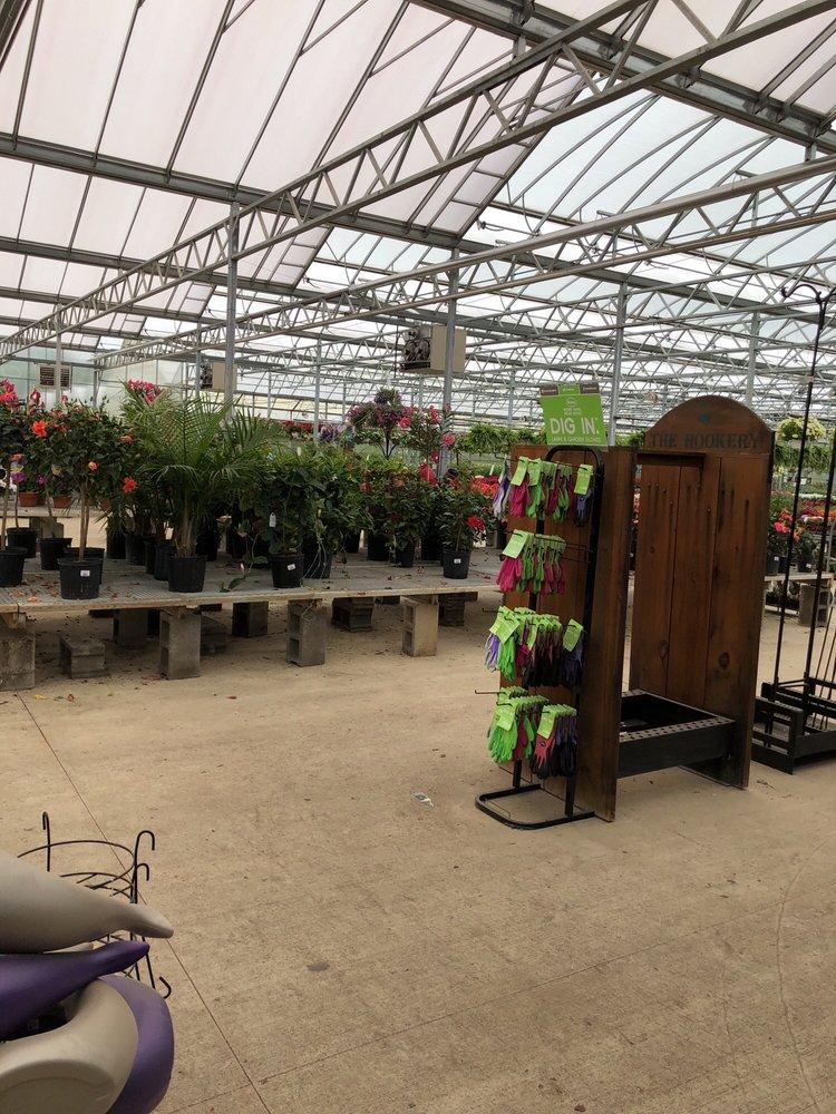 Christians Greenhouse Garden Center Vivai Giardinaggio 3750 E Grand River Rd Williamston