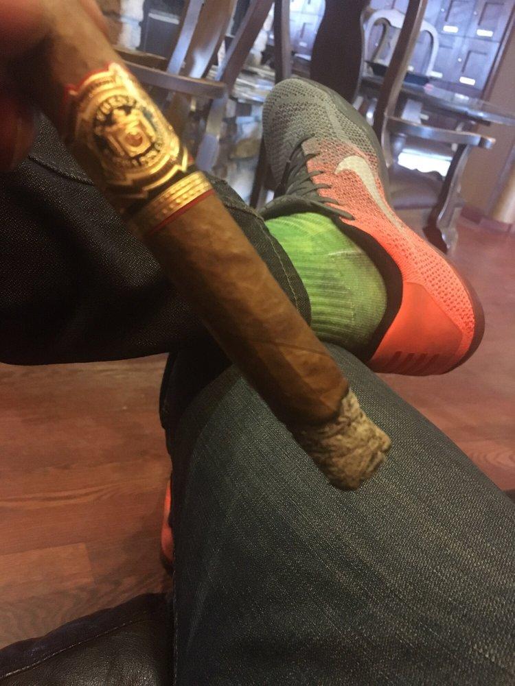 Stanley Pappas Fine Cigars: 6880 S Clinton St, Greenwood Village, CO