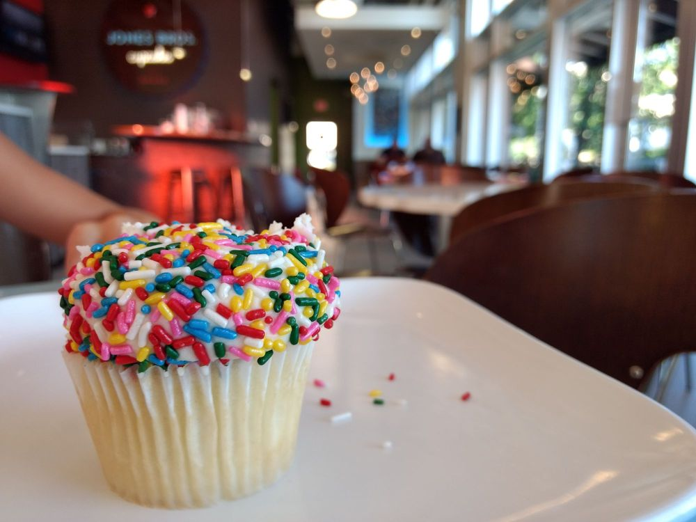 Jones Bros Cupcakes: 2121 S 67th St, Omaha, NE