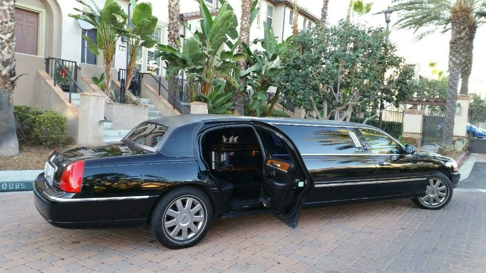 Black Lincoln Town Car Stretch Limousine Yelp