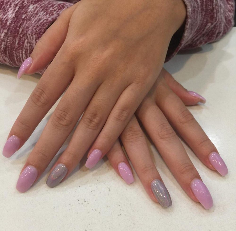 Sns Color Powder Gel With Holographic Powder On The Ring Fingers