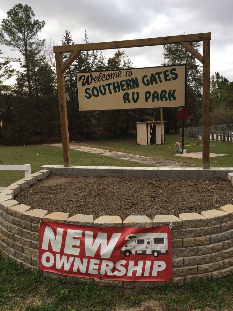 Southern Gates RV Park & Campground: 138 Campsite Rd, Arabi, GA