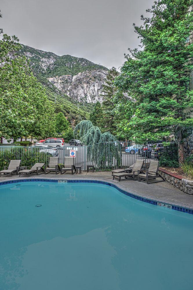 Yosemite View Lodge: 11136 Highway 140, Modesto, CA
