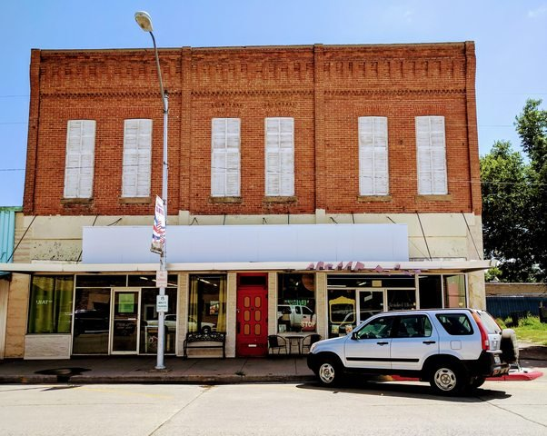 Perk Up Java Shop: 312 Second St, Crawford, NE