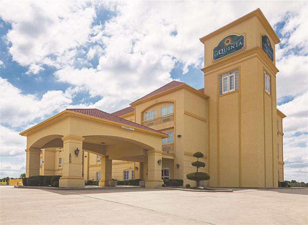 La Quinta by Wyndham Bridgeport: 2000 10th St, Bridgeport, TX