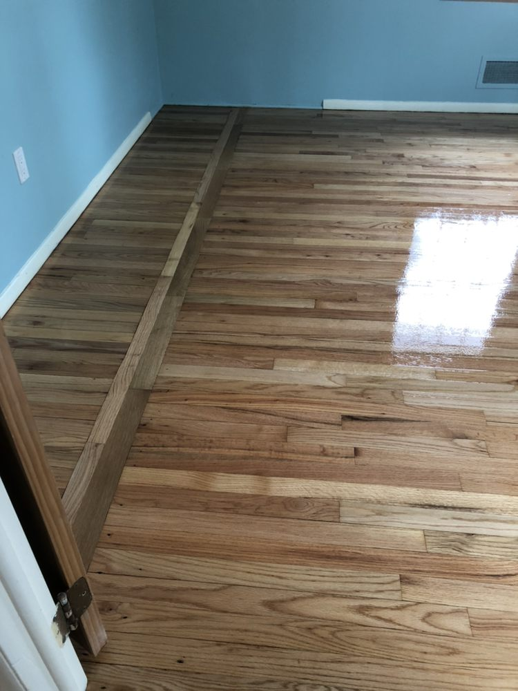VN Hardwood Floor: 527 13th Ave, Bethlehem, PA