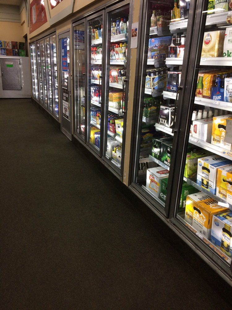 Bottle Shop Discount Liquors Inc: 909 Shaker Rd, Longmeadow, MA