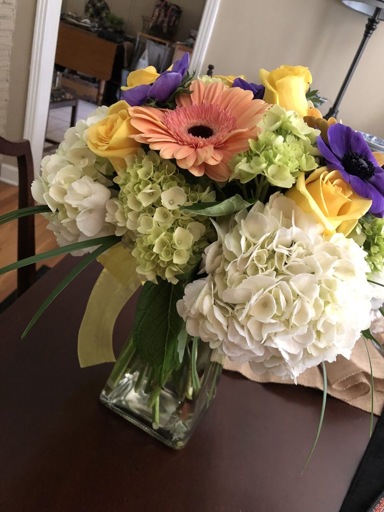 Ivy Cottage Florist: 2429 Wright Rd, Steens, MS