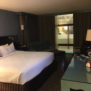 Photo Of Crowne Plaza Chicago Ohare Hotel Conf Ctr Rosemont Il United