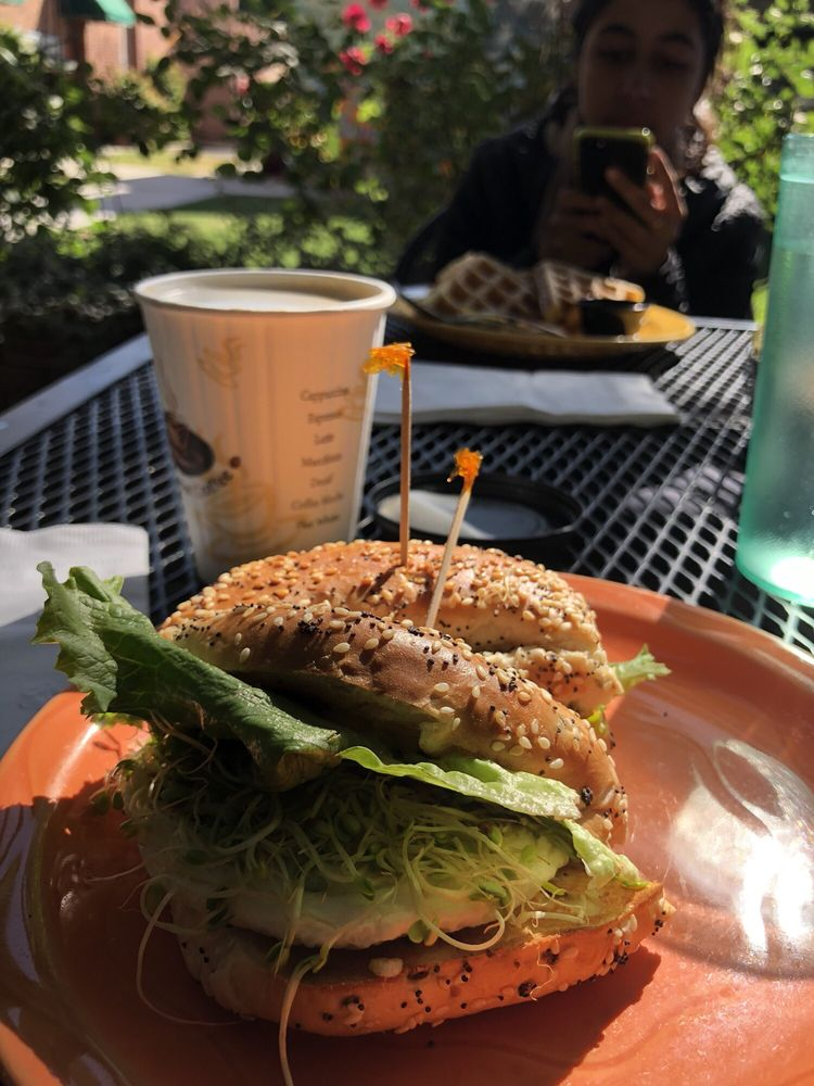 Wildflower Cafe: 121 S E St, Exeter, CA