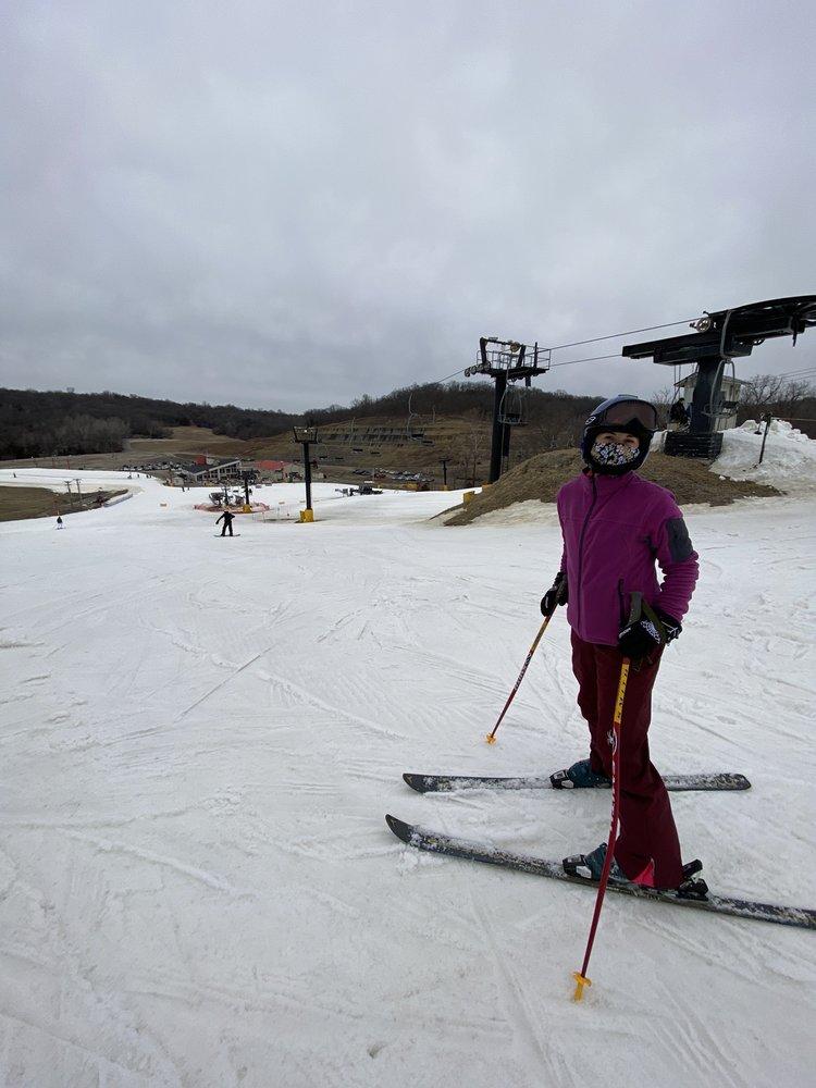 Snow Creek Ski Area: 1 Snow Creek Dr, Weston, MO