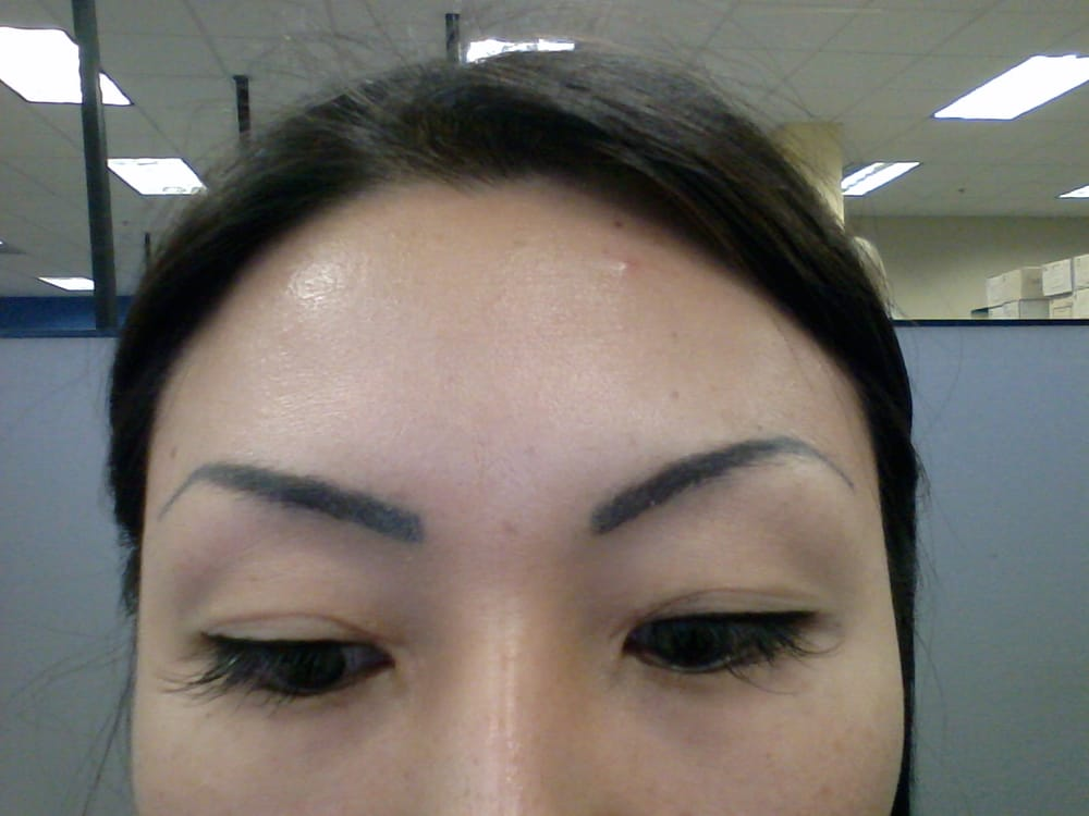 Close Up Of Crooked And Uneven Eyebrows No Hairstrokes At All Yelp