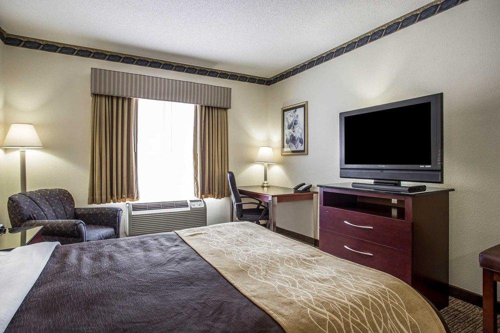 Comfort Inn & Suites Ft.Jackson Maingate: 7337 Garner's Ferry Rd, Columbia, SC