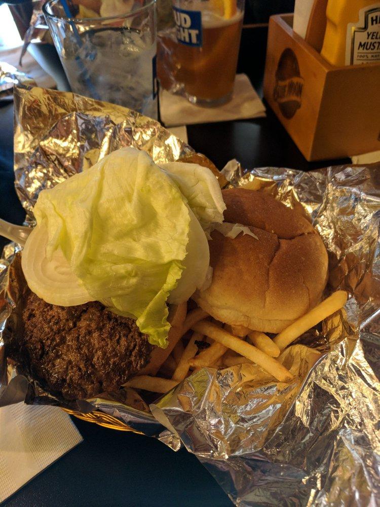 Goldberg's Bar & Grill: 2936 S 132nd St, Omaha, NE