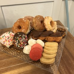 Donut Star 13 Photos 20 Reviews Donuts 16738 Lakeshore Dr