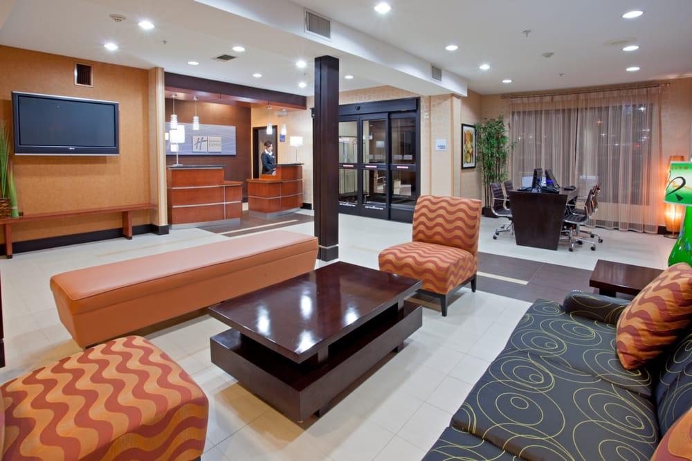 Holiday Inn Express & Suites Arlington: 1721 Pleasant Pl, Arlington, TX