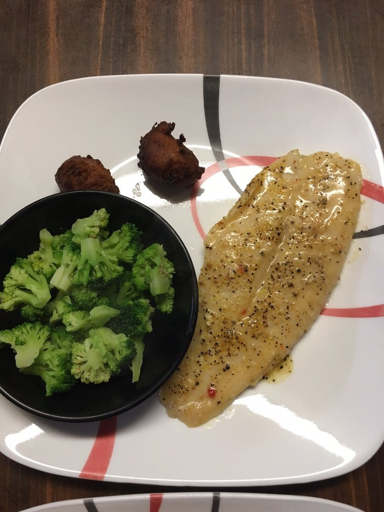 Carol's Seafood & Steak: 827 Sizemore Hwy, Geneva, AL