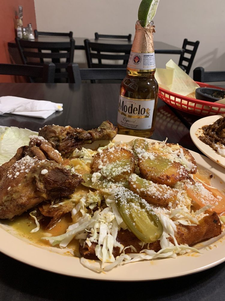 Mi Lindo Michoacan: 175 West Foothill Blvd, Rialto, CA