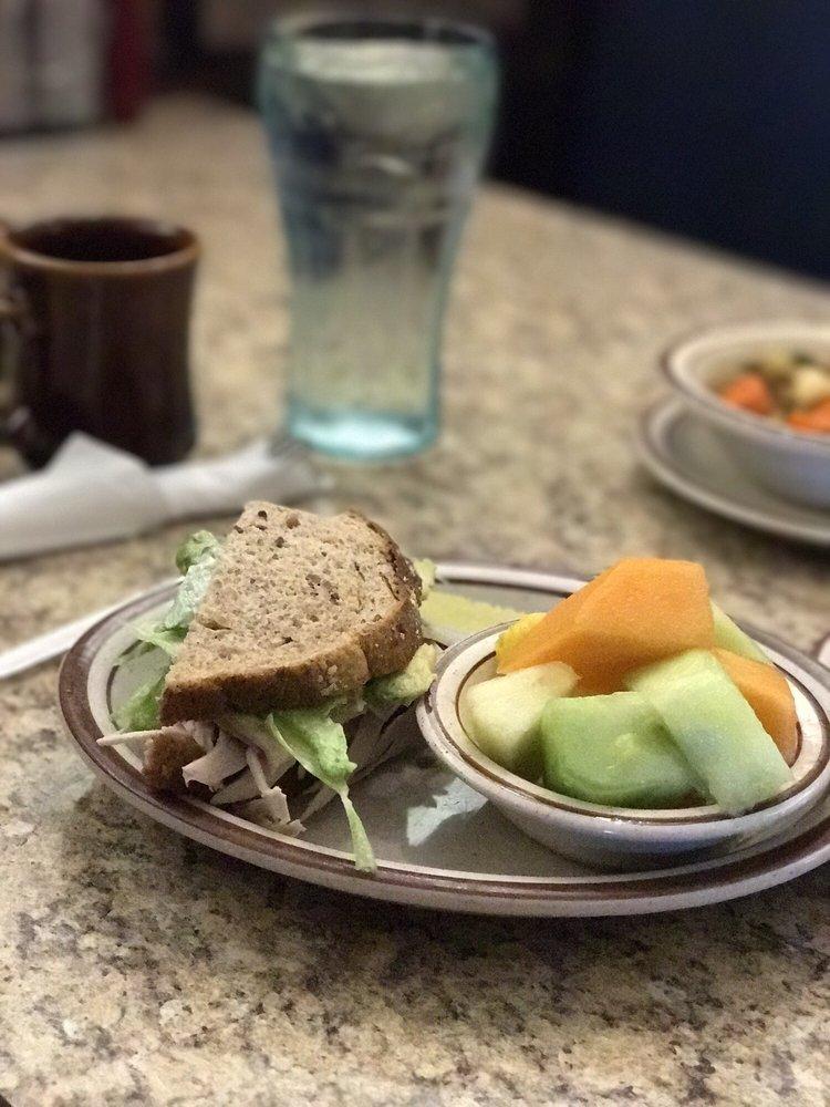 Ranch House Restaurant: 49713 Gorman Post Rd, Gorman, CA
