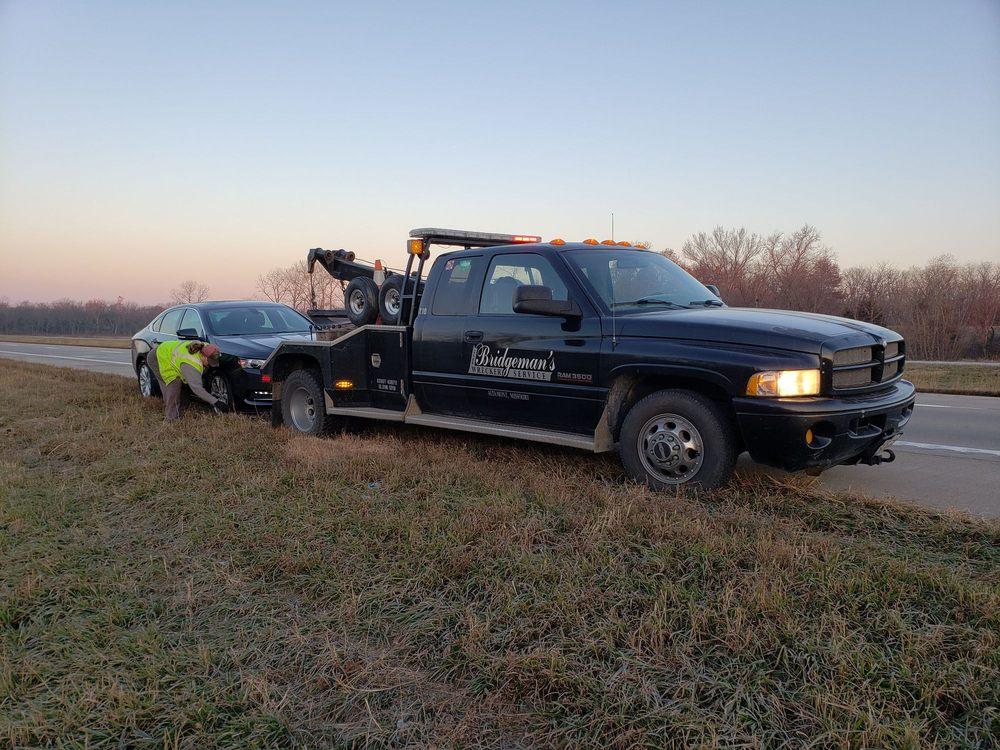 Bridgeman's Wrecker Service: Altamont, MO