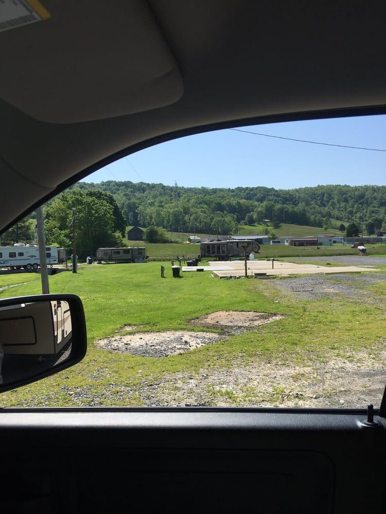 Morgantown Campground: 57 Gamble Rd, Morgantown, WV