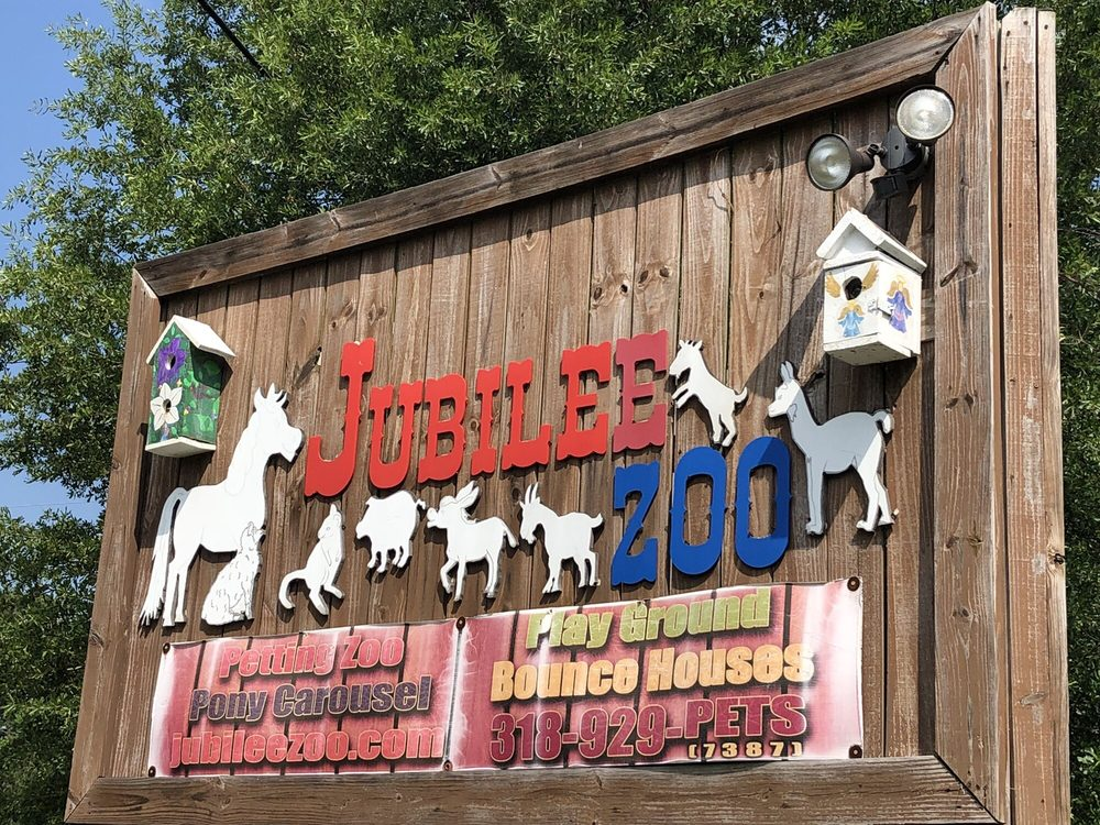 Jubilee Zoo Petting Zoo & Playplace: 6402 Hwy 1, Shreveport, LA