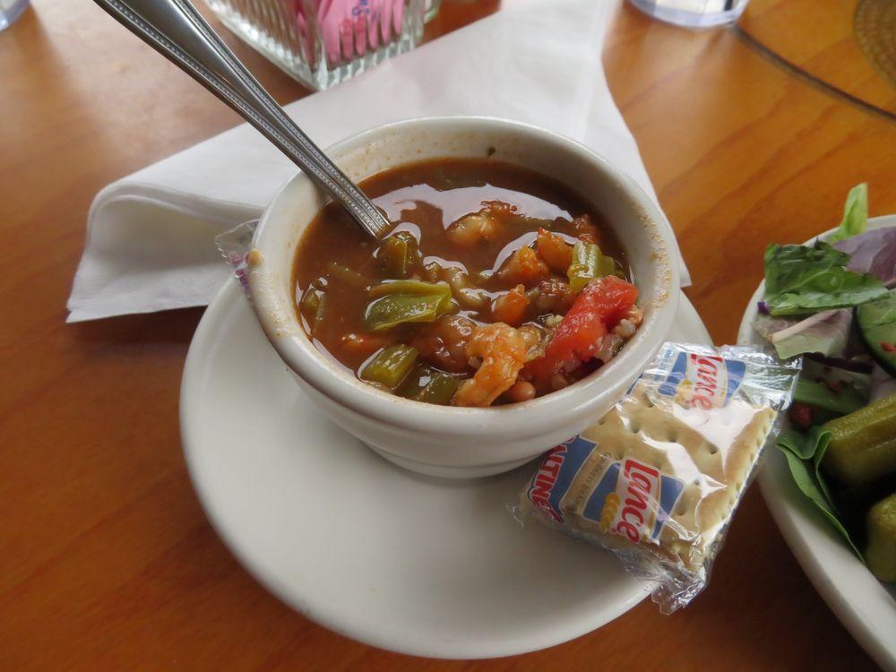 Charlotte Plummer Seafare Restaurant: 202 N Fulton Beach Rd, Rockport, TX