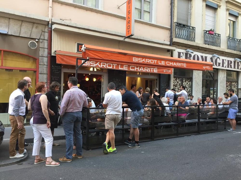 Rue De La Charit Ef Bf Bd Lyon Restaurant