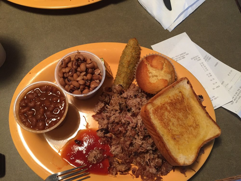Curly Tails Barbeque: 330 Old Bartow Eagle Lake Rd, Bartow, FL