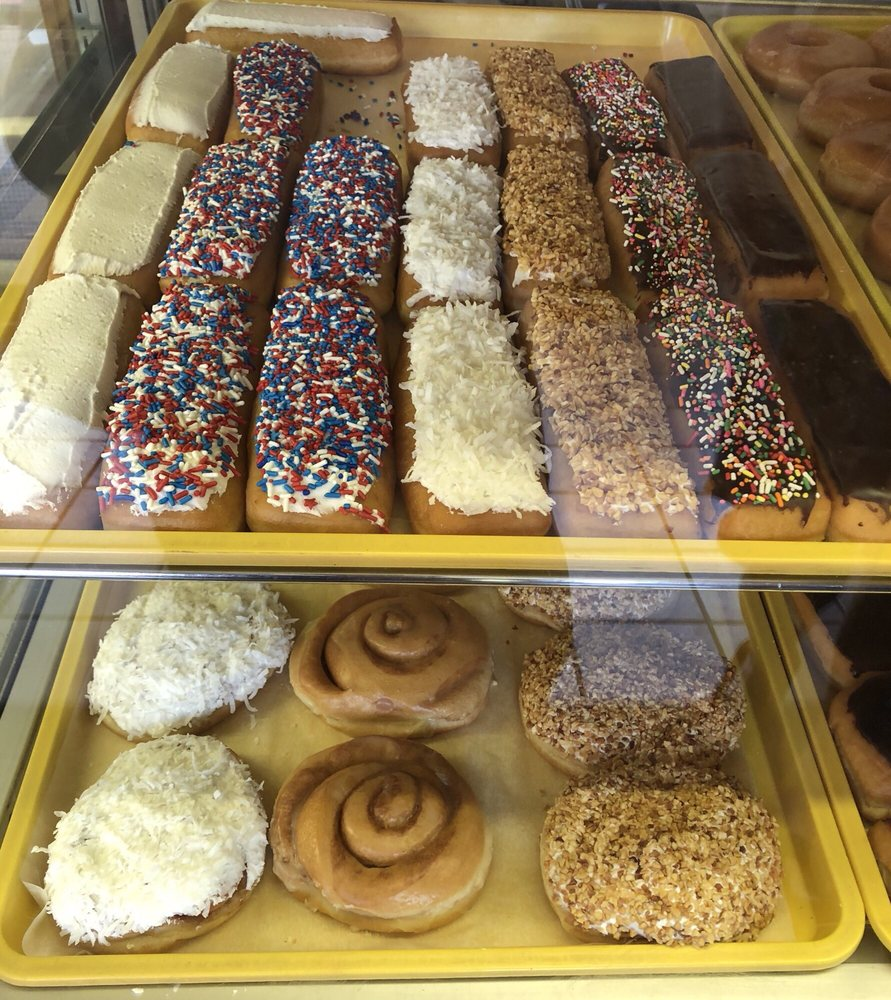 Linda's Town & Country Bakery: Birnamwood, WI