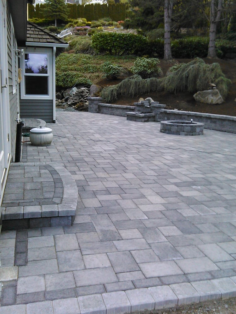 Patio And Seating Wall In Kenmore Wa Pavers Type Granite Park - Granite patio pavers