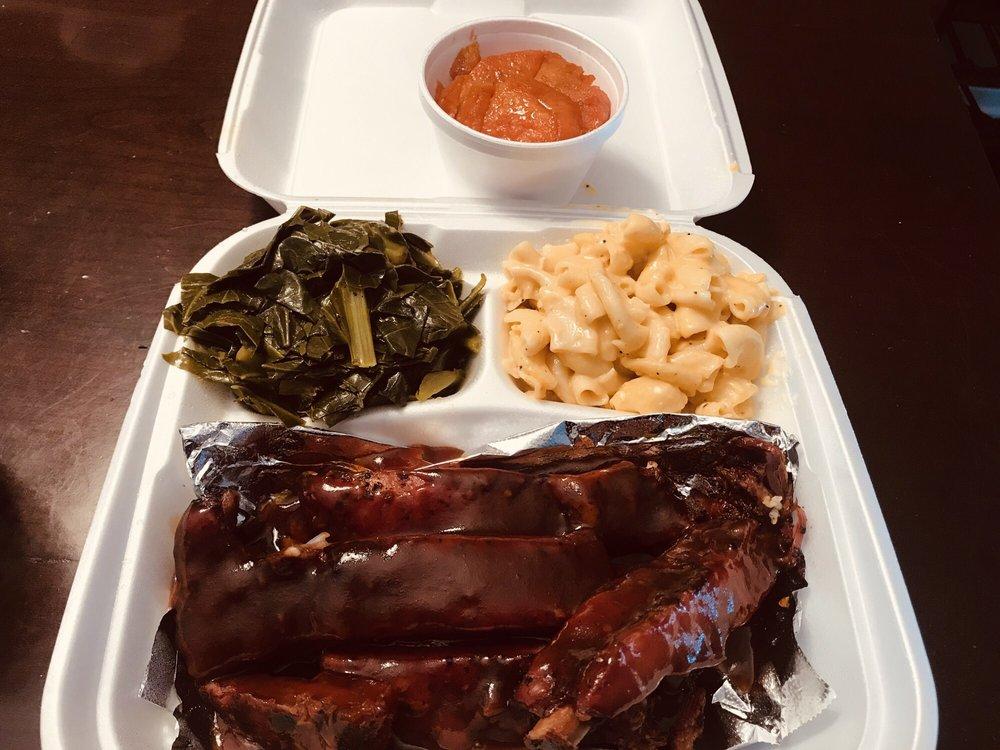 R Kitchen Soul Food: 5253 Paramount Blvd, Lakewood, CA