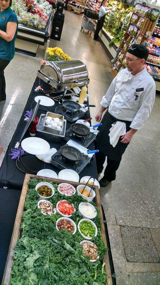 Hy-Vee Market Cafe: 5020 N 27th St, Lincoln, NE