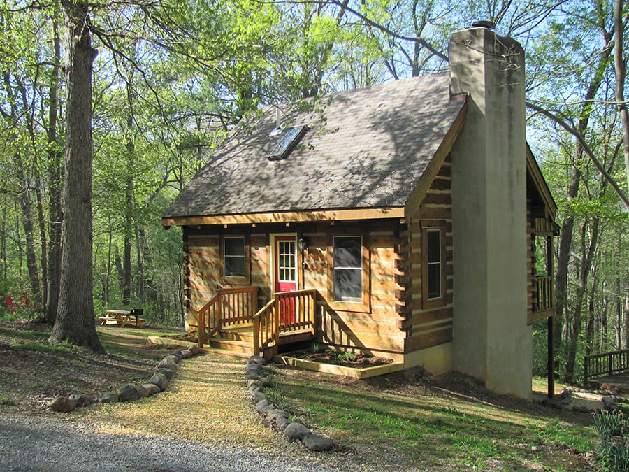 Mountain whisper cabins vacation rentals 307 riverview for Cabin rentals near luray va